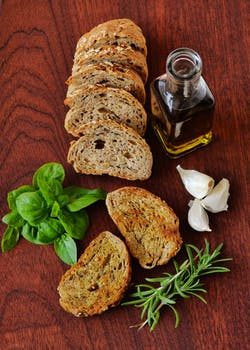 olive oil and sliced bread pexels